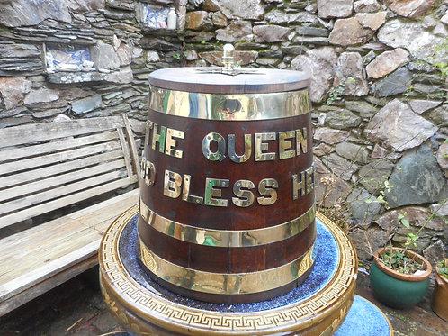 'Queen' Rum barrel