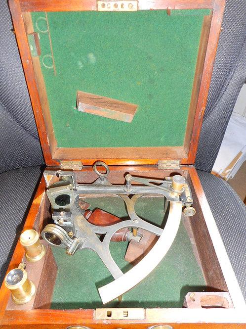 Tulip frame vernier sextant