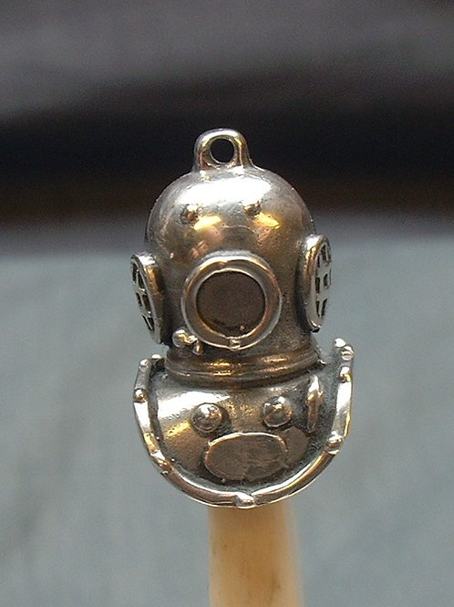 Silver diving helmet pendant