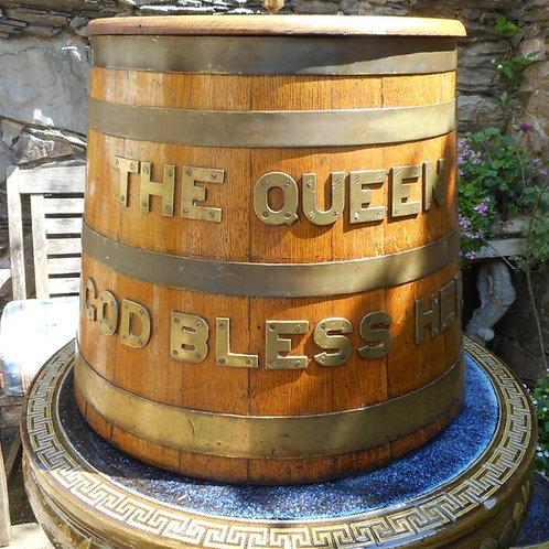 Original 'QUEEN' Rum barrel