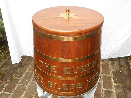 RN Rum barrel