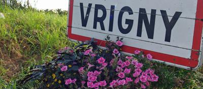 Vrigny road sign