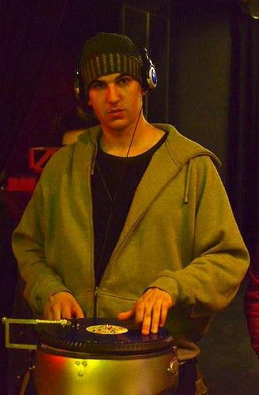 DJ NON'S