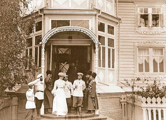 Император Николай II с семьёй в Дивеево. Фото 1903 г. Фильм о Дивеево