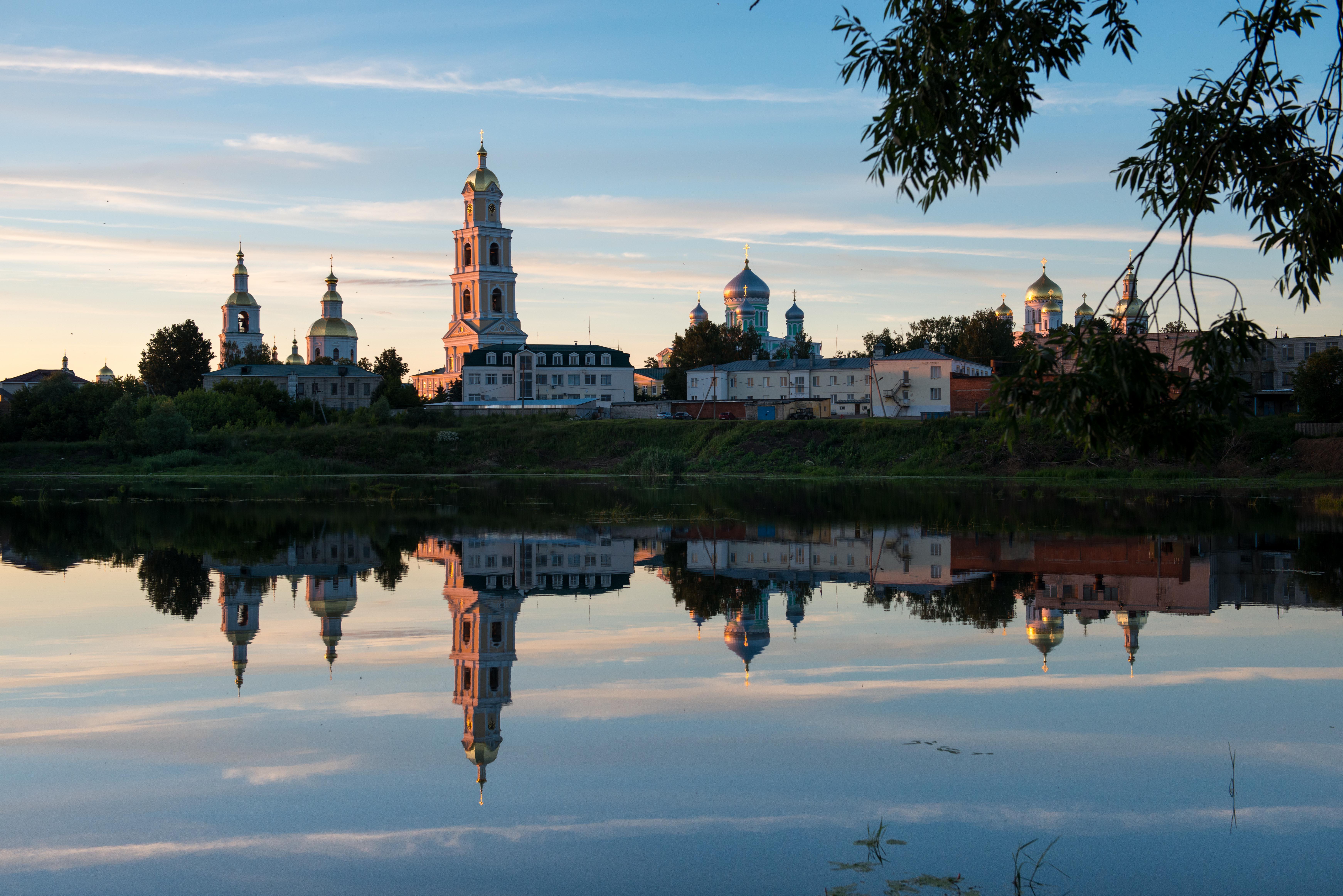 Вид на Серафимо-Дивеевский монастырь