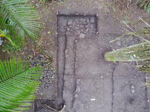 Fotografía las excavaciones de la Estructura 151-1, parte inferior del Nivel 2, esquina sureste