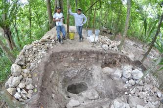Excavaciones verticales de la Estructura 119-1, UCA13A-10