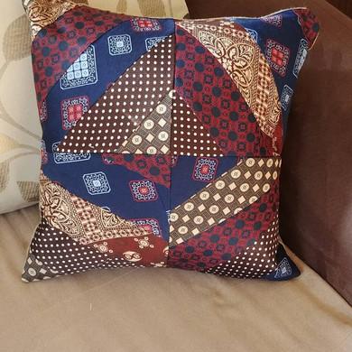 tie pillow1.jpg