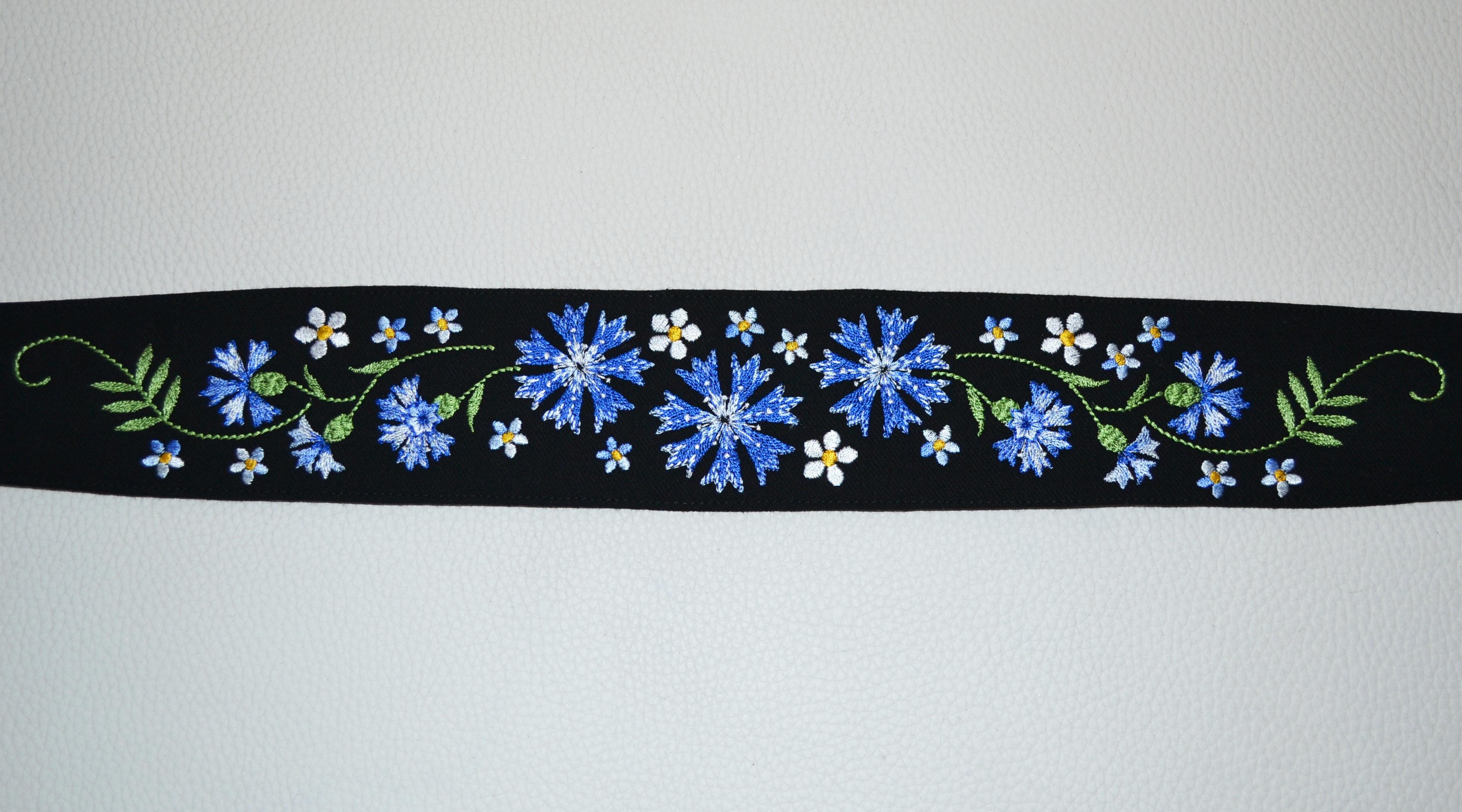 rukkilille_tikand_EyreStudio_embroidery_