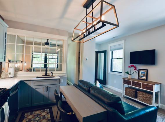 Full Kitchen, Lots of Light & Comfort
