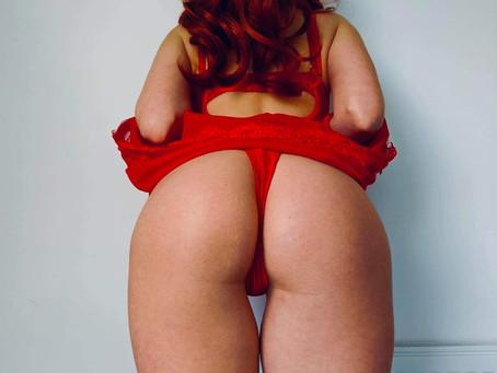 2 sexy redheads!