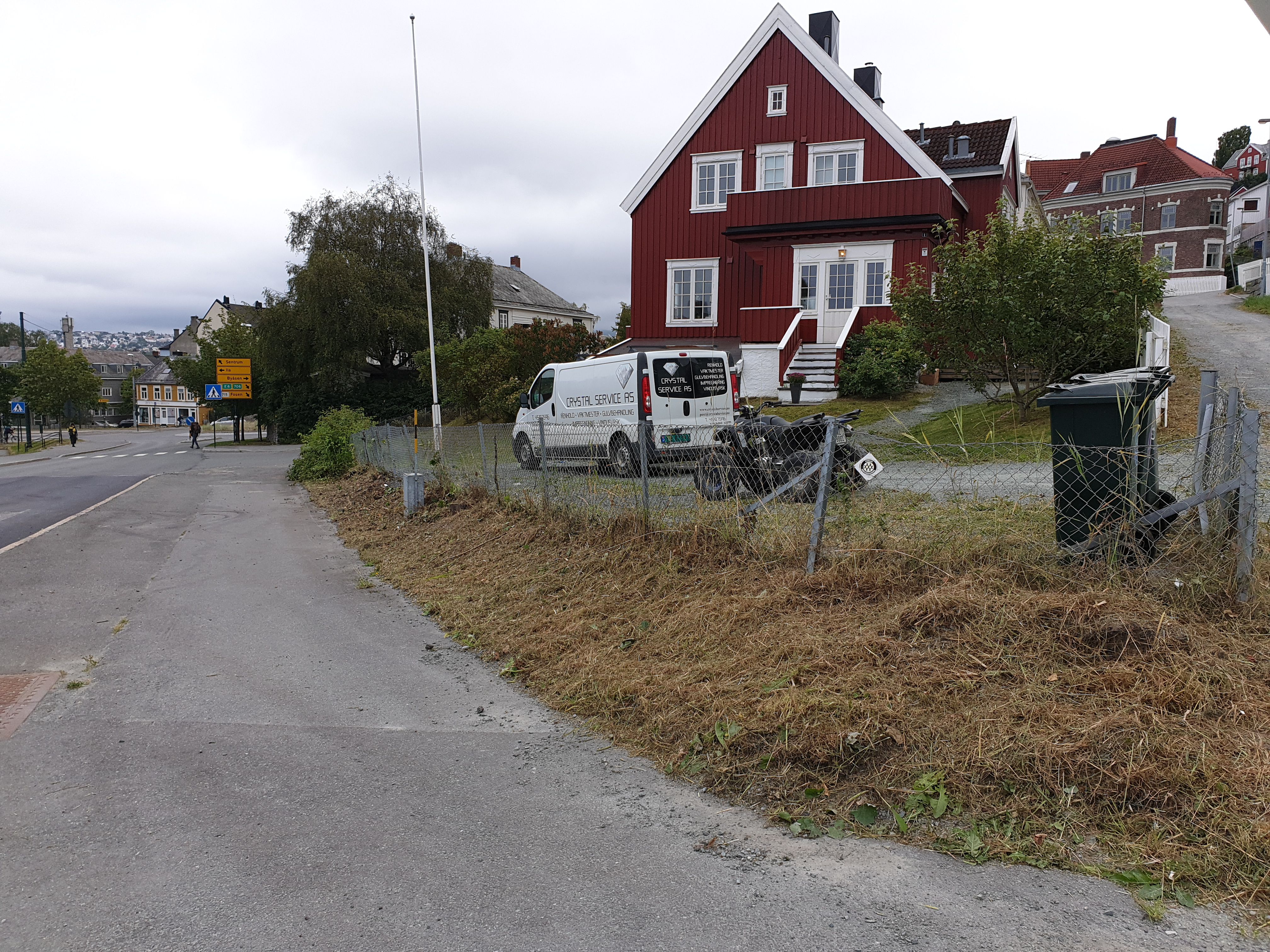 vedlikehold av hage etter