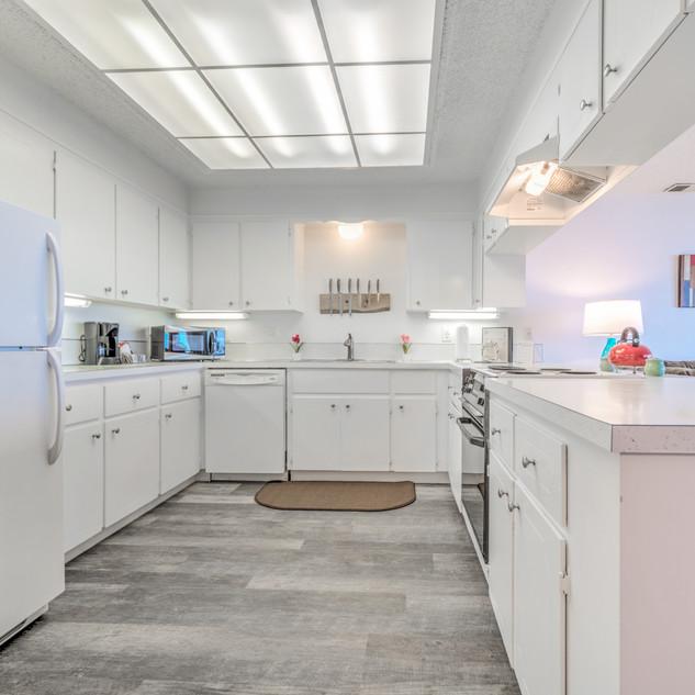 Condo 24 Kitchen EVOLVE.jpeg