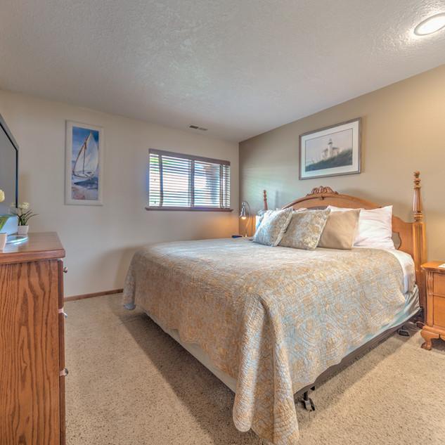 Condo 45 Guest Bedroom.jpg