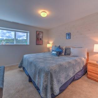 Condo 37 Guest Bedroom.jpg