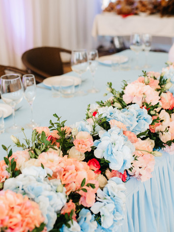banquet-hall-for-weddings-with-decorativ