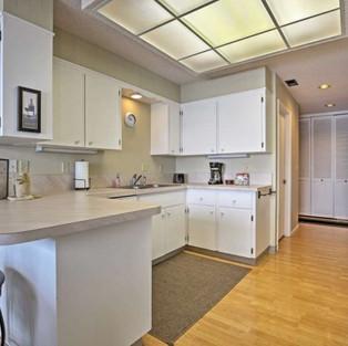 Condo 42 Kitchen.jpg