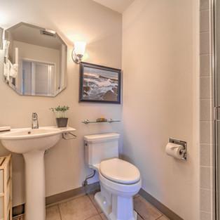 Condo 49 Guest Bath.jpg