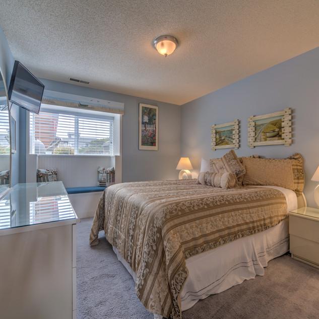 Condo 29 Guest Bedroom.jpg