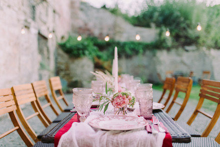 wedding-table-decor-WRTTKTY.jpg