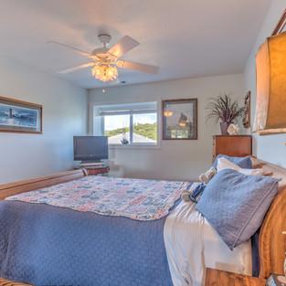 Condo 41 Guest Bedroom 2.jpg