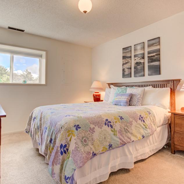 Condo 31 Guest Bedroom.jpg