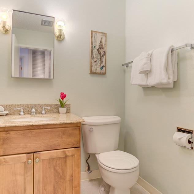 Condo 31 Guest Bath.jpg
