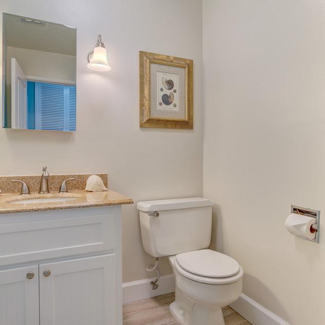 Condo 27 Guest Bath.jpg