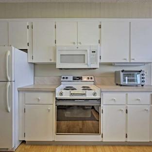 Condo 42 Kitchen 2.jpg