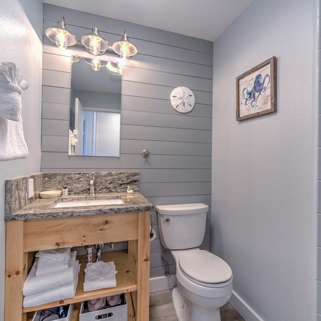 Condo 37 Guest Bath.jpg