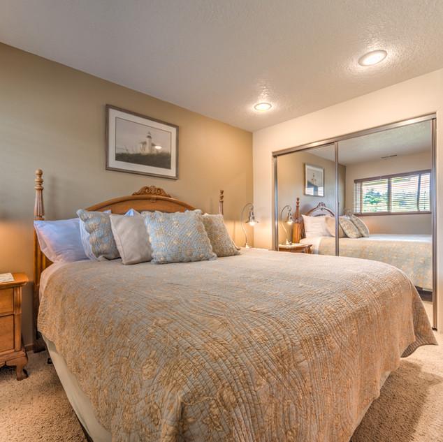 Condo 45 Guest Bedroom 2.jpg