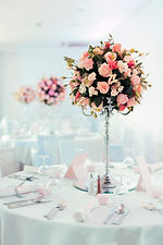 beautiful-decoration-on-wedding-table-MF