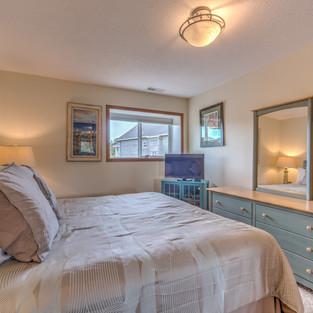 Condo 40 Guest Bedroom 2.jpg