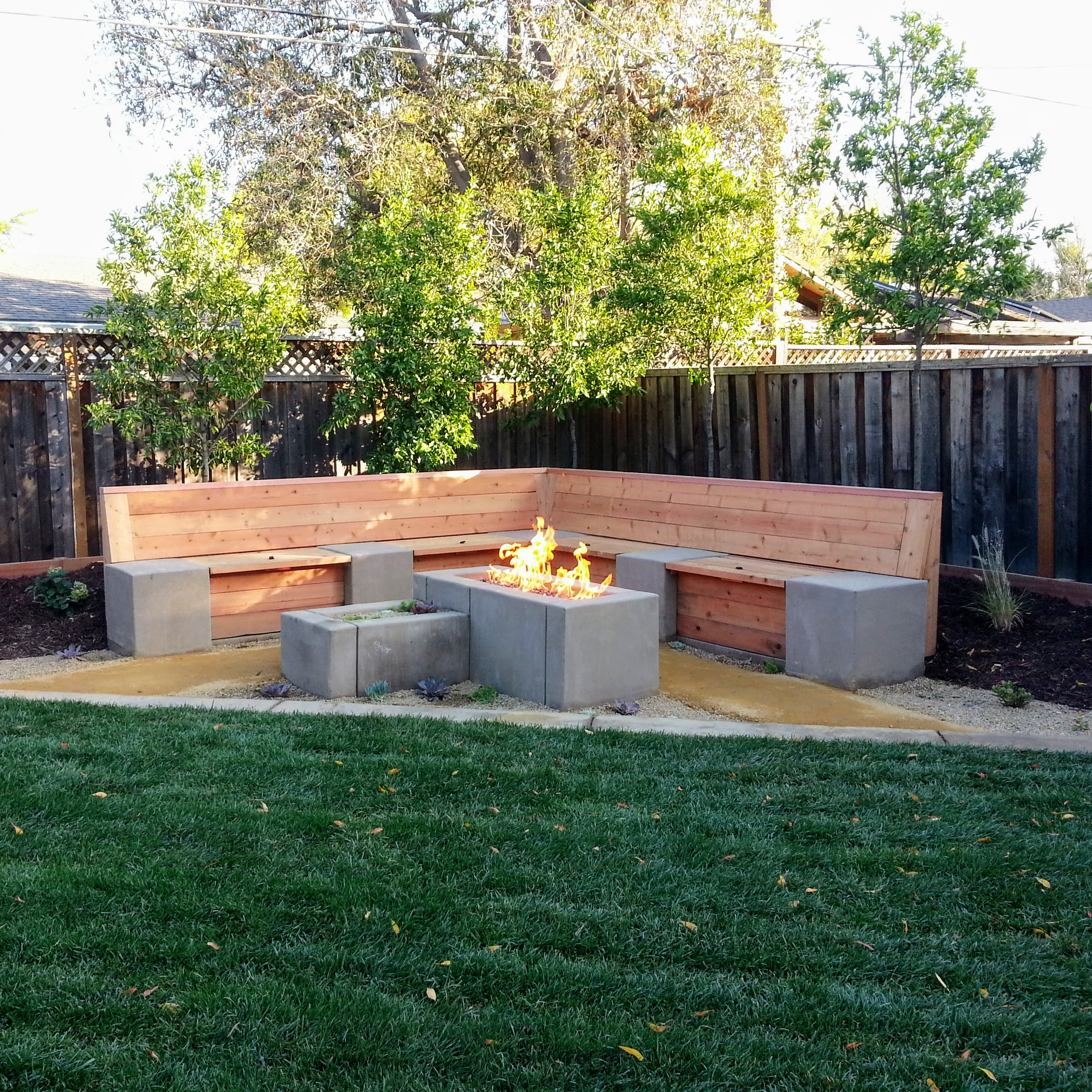 Mountain View Landscape Fire Pit Storage Bench