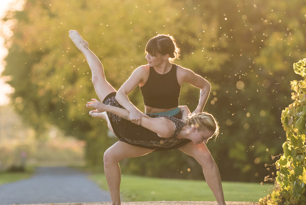 Zehnder Dance photo by Matthew Yeoman