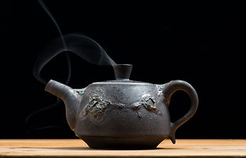 パパイヤ葉茶の飲み方 1、1~2gの葉茶に対して熱湯150~300ccを目安に 2、注いでから3分ほど待ってお飲みください  ※一般的なお茶の飲み方と同じです ※50gで約一ヶ月分あります ※味の濃さは人それぞれですので調節してください ※ホットでもアイスでもお好みでお飲みください
