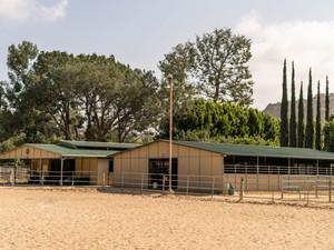 Breezeway Barns