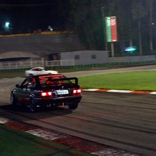 Pilote seu carro na pista 4.jpg
