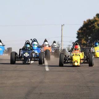 Pilote um formula na pista 5.jpg