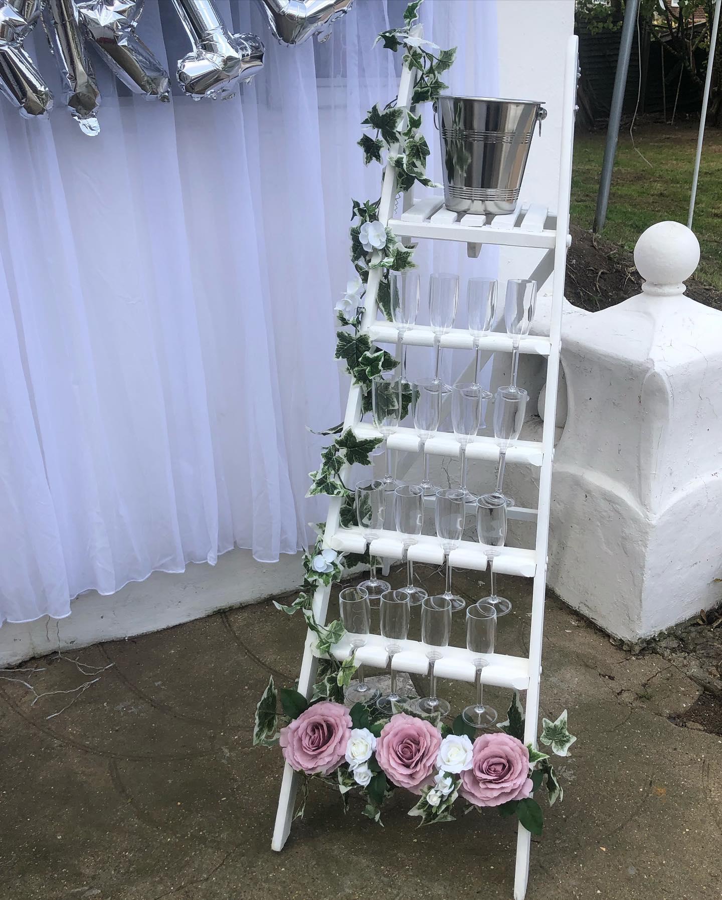 16 Glass Prosseco Ladder