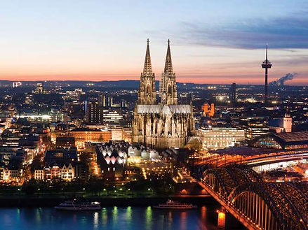 Night-view-Cologne-Germany-Rhine-River.j