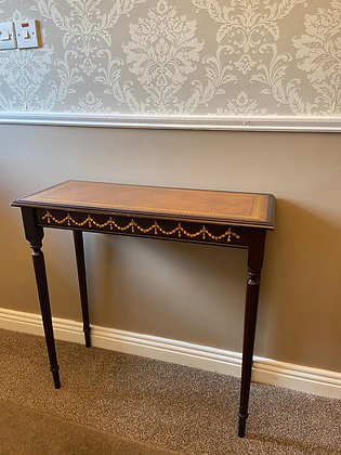Gold trimming side table with brown leather