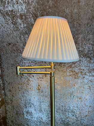 Floor Lamp with Extendable arm and Shade