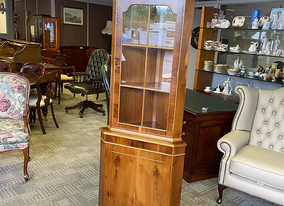 Walnut corner cabinet with arched top & 2 wooden shelves