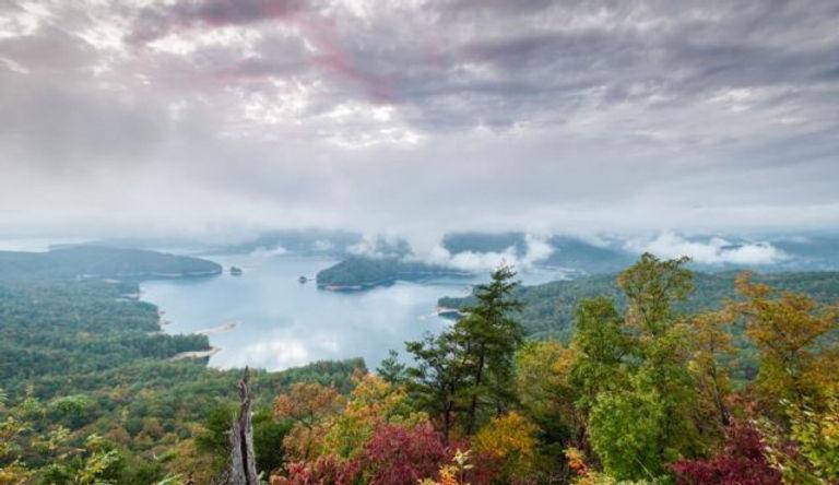lake-jocassee-cloud-color-640x370.jpg