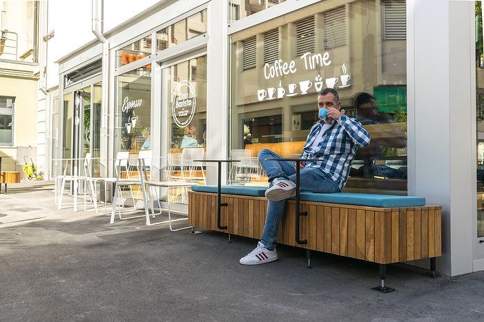 Caffe DON Barista 1-28.jpg
