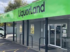 Liquorland Dinsdale - Signage by I TINT