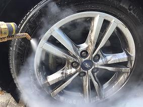 Nettoyage jante auto à la vapeur