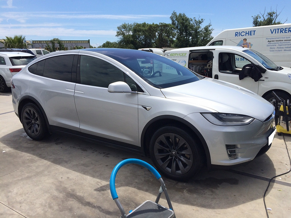 Tesla X après nettoyage vapeur au travail (70€)