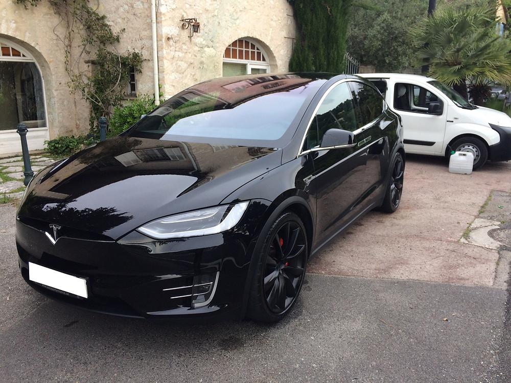 Tesla X après nettoyage vapeur (70€)